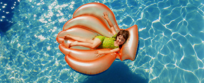 swimming-pool-float-safety-kids-families-family