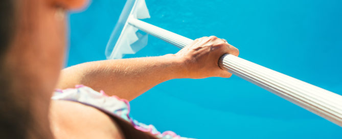 swimming-pool-cleaning-maintenance-professional-services